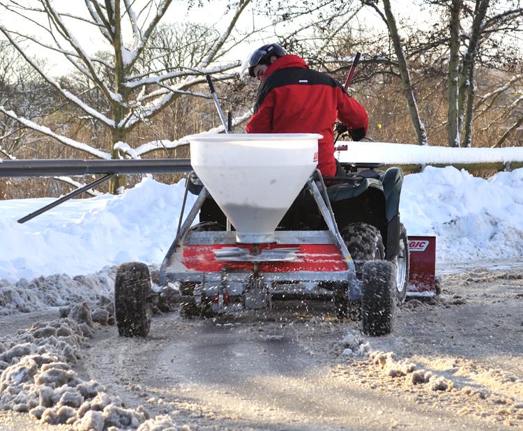 Quad winterdienst