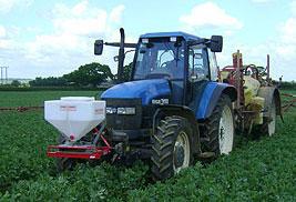 Granulaatstrooier tractor